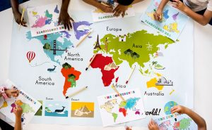 kids-learning-world-map-with-continents-countries-P6JMDXV.jpg